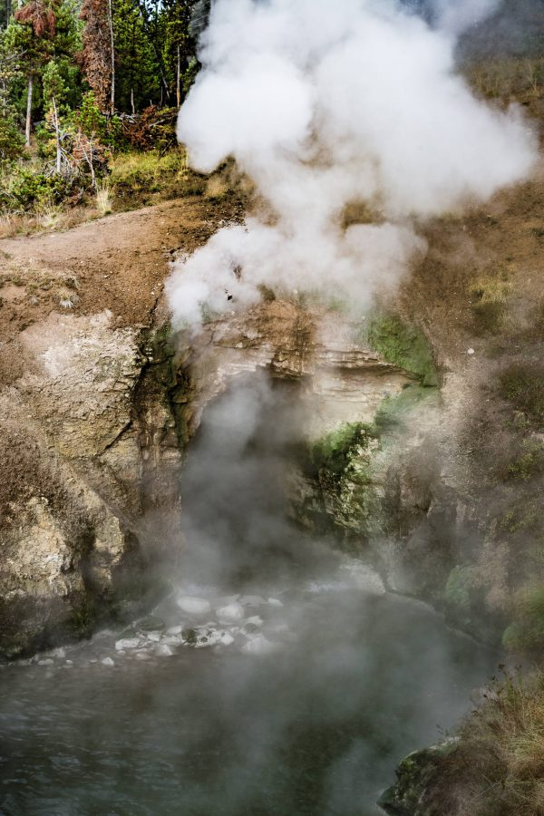 Yellowstone - Dragon's Mouth Spring (3360)