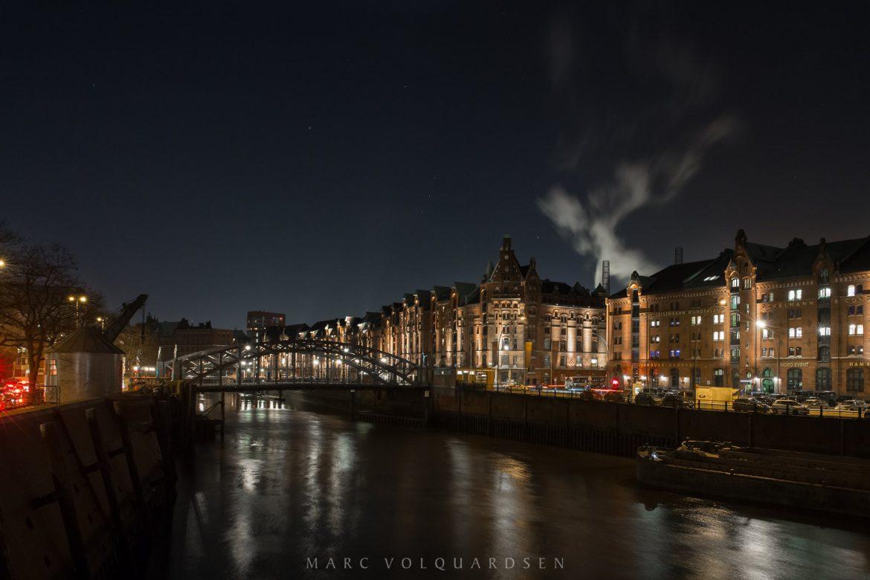 Hamburg — Speicherstadt Block E mit Sternbild Orion