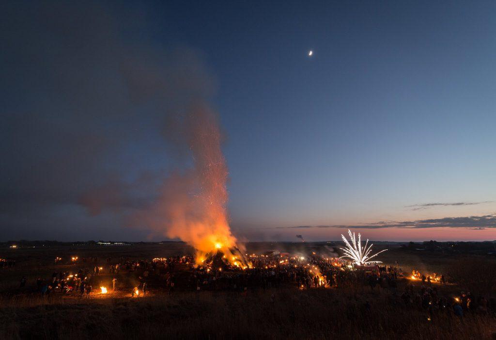 Tinnum Biike mit Feuerwerk (0186)