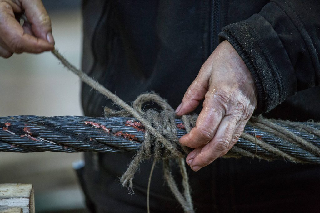 Peking rigging works - hands of a rigger (0128)