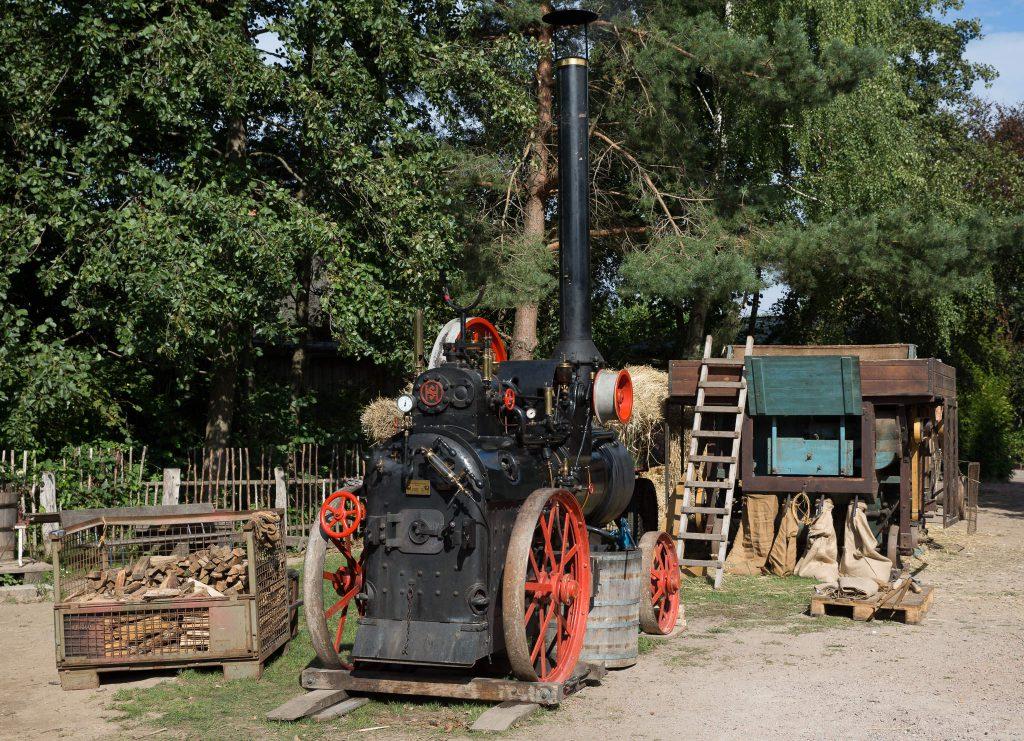 Dampf- und Dreschmaschine (0040)