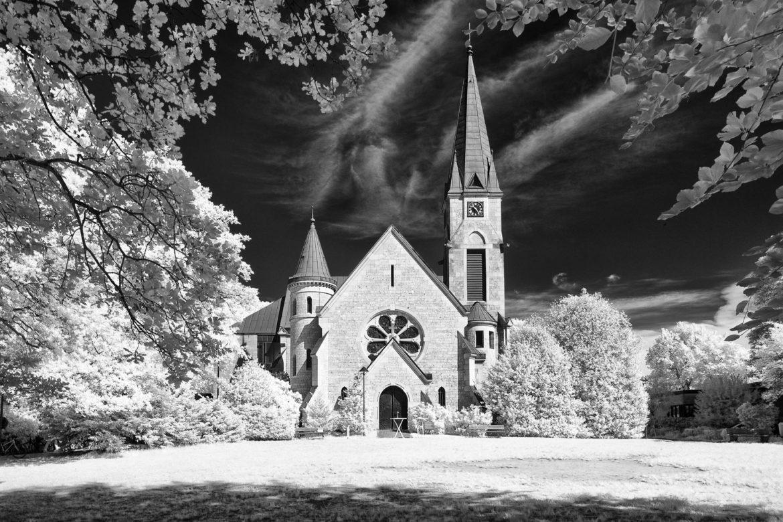 Christuskirche Othmarschen (Infrarot)
