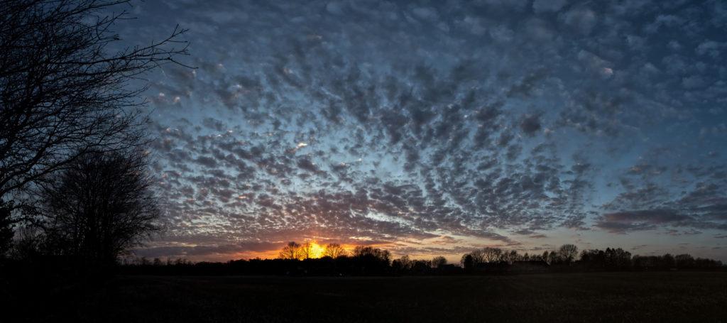 Sonnenuntergang über Meilsener Feldern (Panorama)