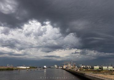 Hafencity, Baakenhafenquartier & Perseus J auf Reede