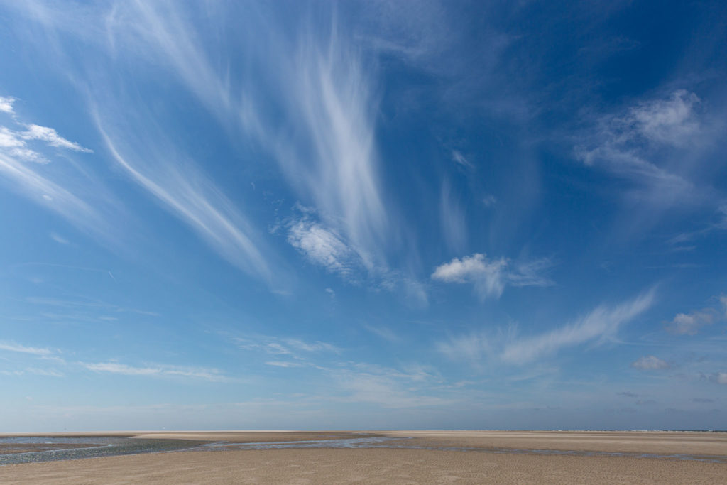 cirrus clouds over Norderoogsand