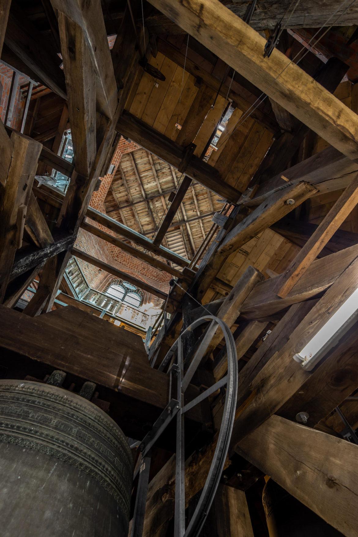 Im Glockengestühl von St. Nicolai