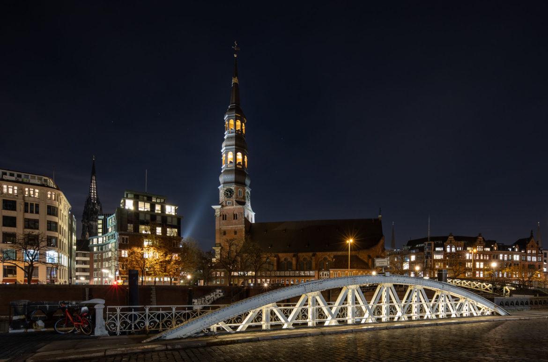 St Katharinen Kirche bei Nacht (0205)